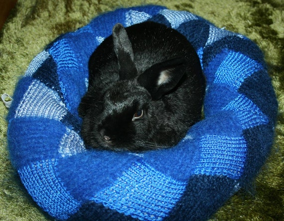 Blue Lagoon Ugli Donut bunny bed for a medium sized bunny chunky diamond knitted mix in blues