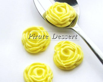 YELLOW  Sugar Flowers  Fondant Roses - 1 inch (25mm) - Edible cake decorations (Yellow Rose) (12 pieces)