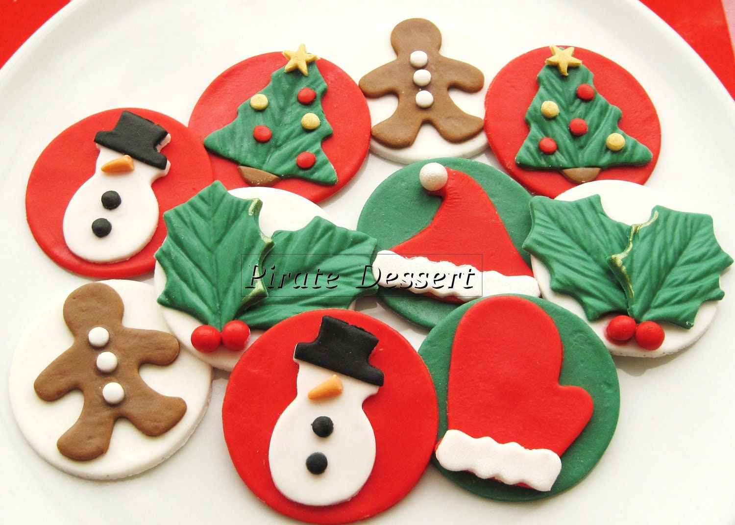 Christmas Cupcake Decorations : Edible CHRISTMAS cupcake toppers Classic Holiday Set