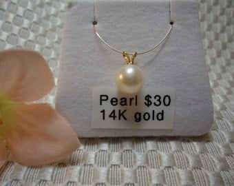 White Pearl with Solid 14 kt yellow gold Bail   #242