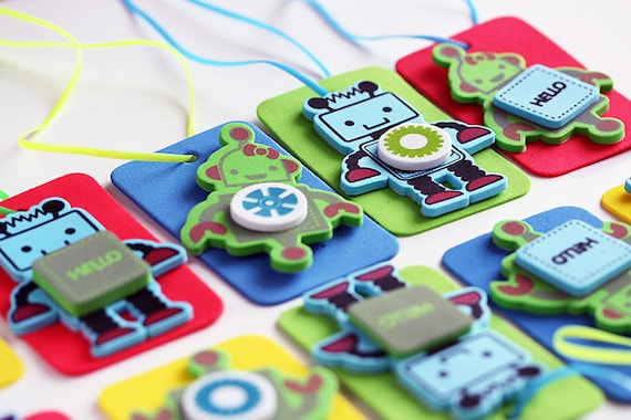 Robot Craft Kit for Kids / 12 DIY Necklaces / Party Craft / Favors / Play Date Activity