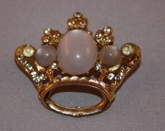 Vintage Brooch Crown duo
