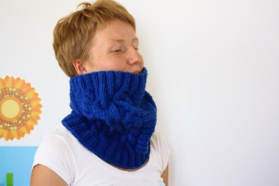 Knit Chunky Cowl Cable knit Scarf, Infinity Circle Scarf, Royal blue Navy Cowl, Unisex Neckwarmer, READY TO SHIP