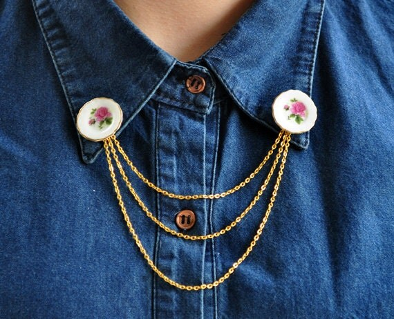 Collar Tips - Pink Miniature Ceramic Plates with Golden Chain - Collar Tip Brooch