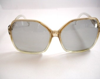 Authentic Vintage Women's oversize eyeglasses - See our huge collection of vintage eyewear