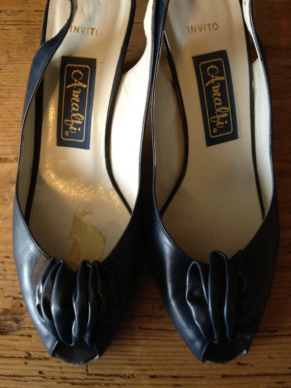 Sale/Vintage Amalfi Navy Leather Woman's Dress Shoes...with Bow