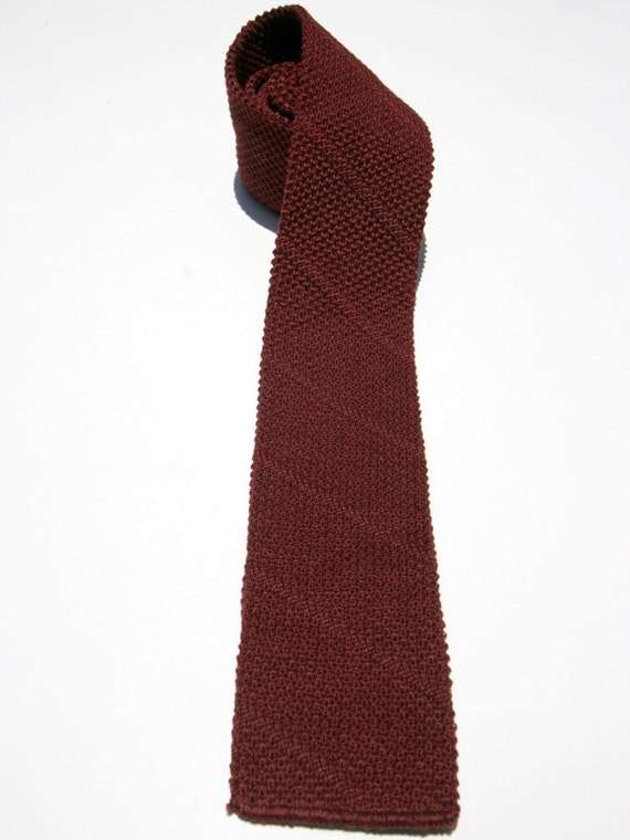 Vintage Men's Wine Maroon Knit Flat Bottom Necktie