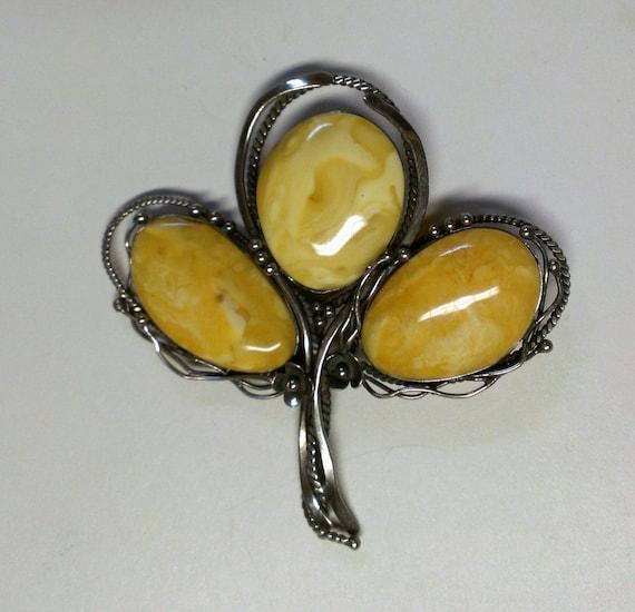 Vintage Butterscotch Amber Silver Artisan Flower Brooch / Pin
