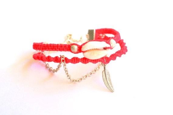 Sea Shell Friendship Bracelet in Hot Rose.