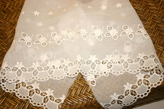 SALE Vintage White Cotton Broderie Anglaise Material Remnant Offcut Trim