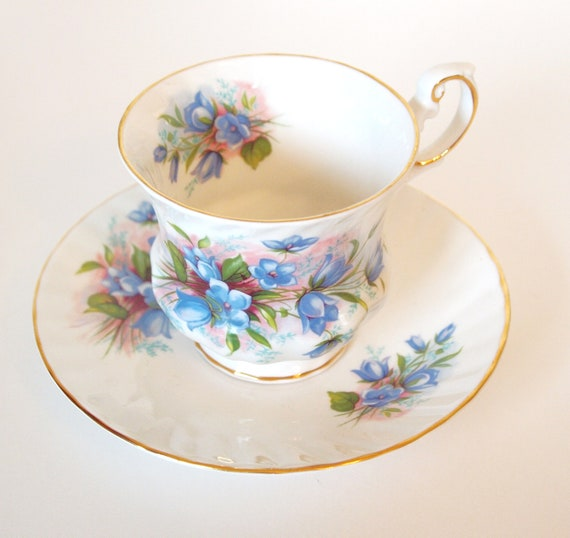 Queens Rosina English Bone China Teacup - Collector July 1975