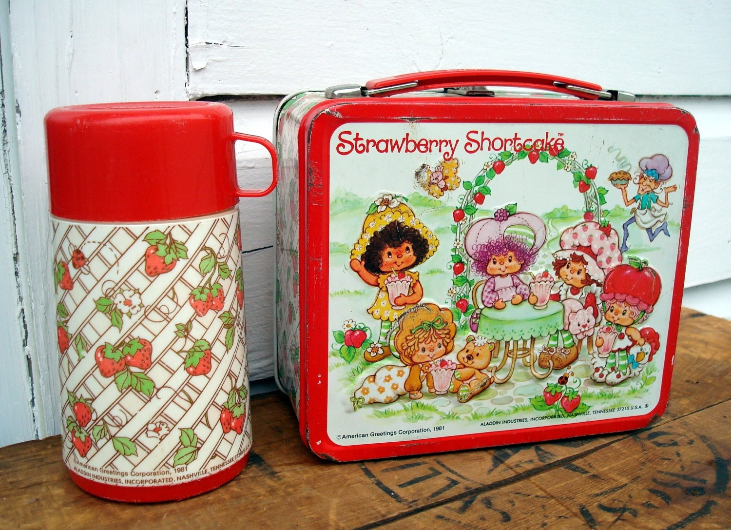 How To Paint Metal Lunch Box