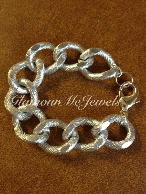 The HARPER: Large Silver Curb Textured Chain Bracelet