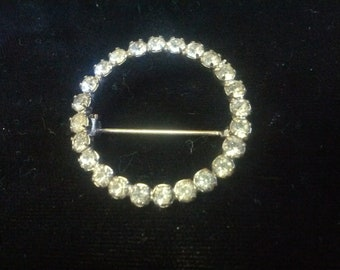 Beautiful and classy circle Rhinestone brooch