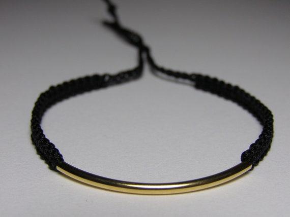 Elegant bracelet with golden finding