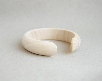 20 mm Wooden bracelet unfinished round with break - natural eco friendly DE20C