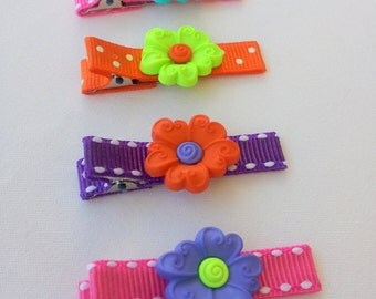 Set of 4 clips. Flowers hair clips.  Set of clips for Girls.
