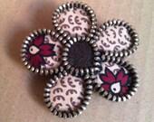 Flowered pattern brown zipper flower brooch. Felt and zipper accessorie. Sweet and boho gift.