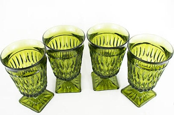 Vintage. 4 INDIANA GLASS COMPANY  Water Wine Goblets. Mt. Vernon Pattern Olive Green