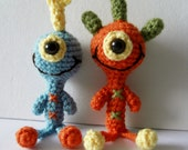 SALE - two cute one-eyed aliens