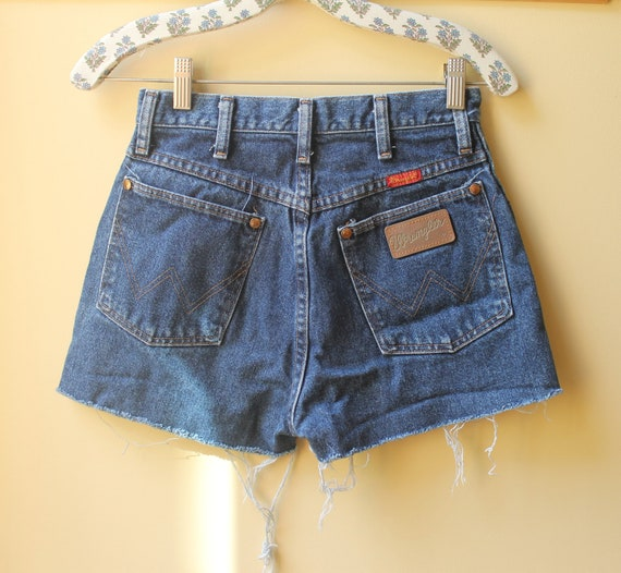Vintage High Waisted Denim Wrangler Cut Off Shorts size 25 26