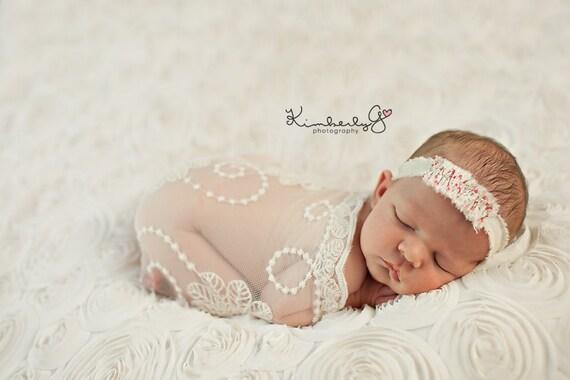 Newborn Photography Fabric Backdrop - Bella Backdrop in Cream  - 2 Yards