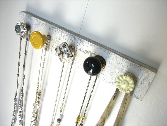 Dorm Sweet Dorm Jewelry Rack in Yellow and Gray