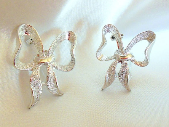 Vintage Silvery Bow Scatter Pins By Gerrys