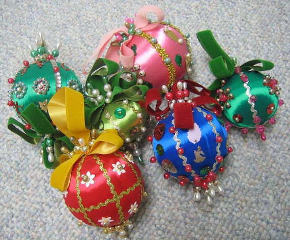 Vintage Christmas Ornaments Beaded Sequins 1970s FABULOUS Set of 6