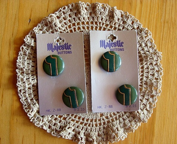 """Majestic Buttons Four Green Japan 7/8"""" Shank"""