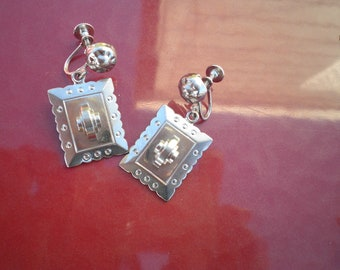 Clearance - Vintage Silver Dangle Screw-back Earrings.