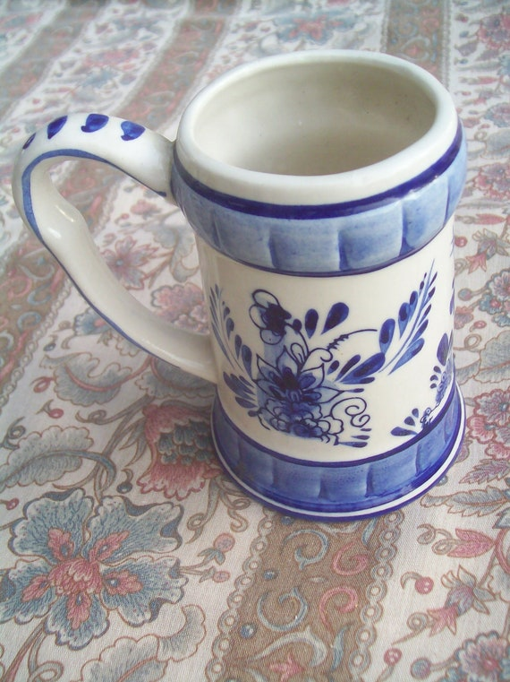 Vintage mug with handle white with blue flowers RVS