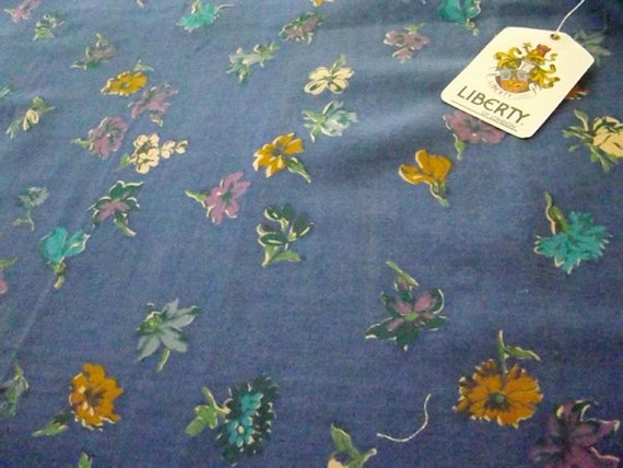 """Vintage LIBERTY Floral Fabric / Textile """"Jubilee"""" 24"""" x 36"""""""
