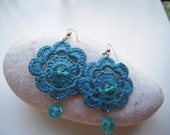 Turquoise crochet flower earrings with turquoise green glass beads, lightweight earrings, summer accessories