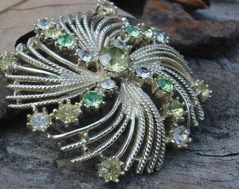 Vintage Starburst Pastel Green Rhinestone Pin Brooch Pendant