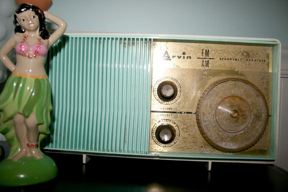 Vintage, Retro Turquois/Aqua Arvin Radion AM/FM Broadcast Receiver