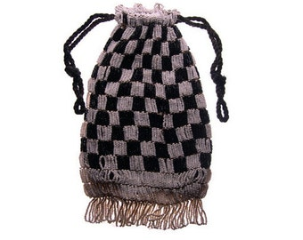 Vintage Art Deco Black & White Glass Beaded Drawstring Handbag
