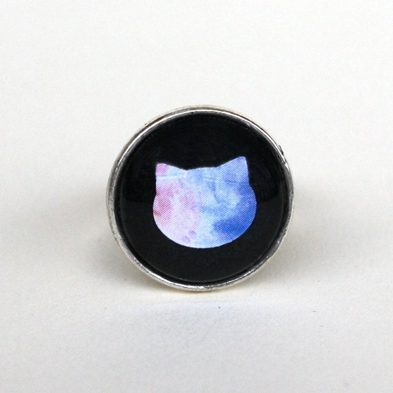 Cat head watercolor glass cabochon ring in old silver