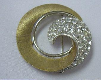 Vintage Lisner White Rhinestone Brooch Pin