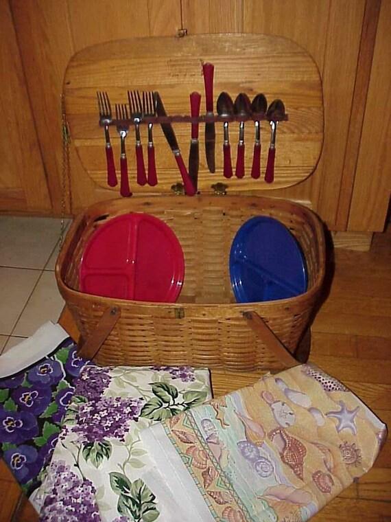 Vintage Jerywil Picnic Basket W/Bakelite Utensils