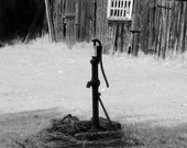 """Old Well Water Hand Pump 5""""x7"""" Photo Greeting Card"""