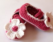 Mary Jane Shoes Crochet Mary Janes Pink Baby Girl Shoes with flower Newborn crochet shoes