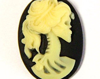 6 pcs resin lady skull cameo -18x25mm-RC0170-6-yellow on black