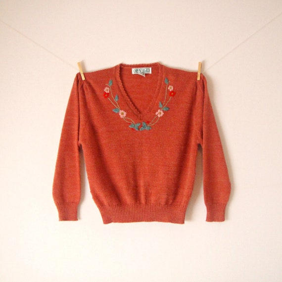 Vintage. Rust Orange V Neck Knit Sweater. Pullover. Floral Embroidery. Relaxed. Puffy Sleeves. Cozy. Warm. Jumper. Boho. Retro. Large. L.