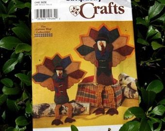Uncut Pattern - Simplicity 7341 - 2 sizes of Seated Felt Turkeys