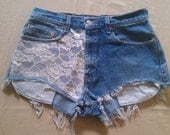 high waisted Levi 505 cut-off shorts / lace print.