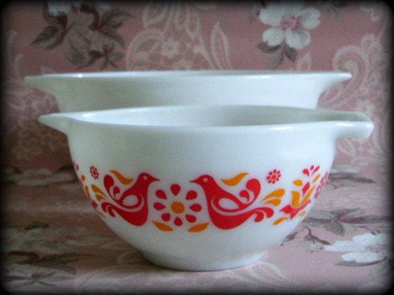 Vintage 70's Pyrex Bowls Friendship or Pennsylvania Dutch Cinderella Set of 2 Nesting