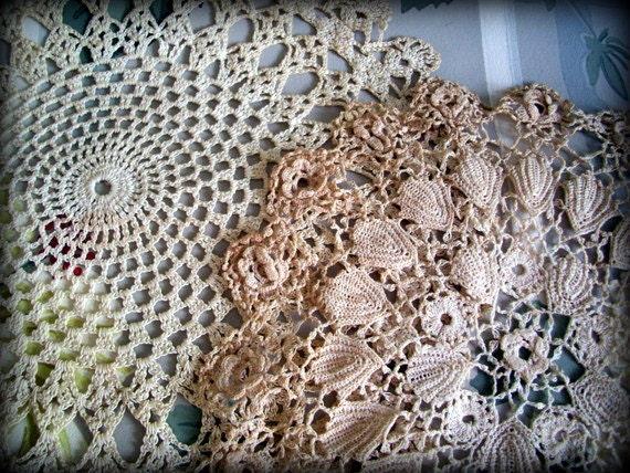 Vintage Lace Crochet Doilies 1940's Set of 2