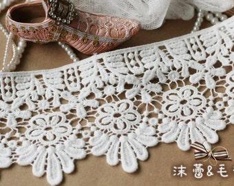 Cotton Lace Trim, retro scalloped lace, vintagelace, Bridal Lace Fabric Supplies