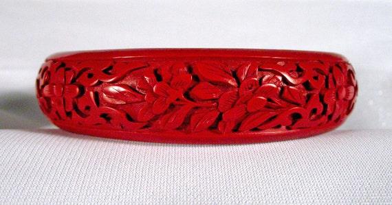 Vintage Cinnabar Bangle Bracelet Floral Design Mint